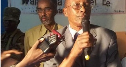 "Comment: Qeybdiid Should ""ignore"" Abdiweli's pathetic attempt  to pick a fight"