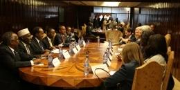 Madaxweyne Xasan Sheikh oo Addis Ababa kula kulmay Desalegn iyo John Kerry