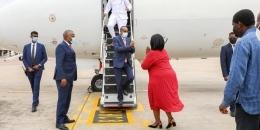 30 sano kadib, Rooble oo ku safray duullimaad heer RW, kana degay Mombasa