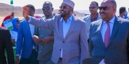 Axmed Madoobe iyo Deni oo Muqdisho imaanaya