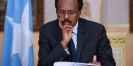 Farmaajo oo Xildhibaanno ka dhigaya Shaqaale katirsan Villa Somalia