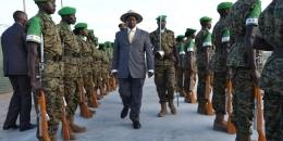 Museveni oo ku hanjabay inuu Ciidamadiisa ka saarayo AMISOM