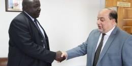 Masar oo Xafiis Argagixisada la Dagaalama ka furtay Uganda