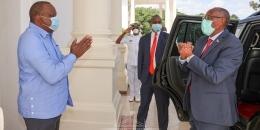 Kulankii Muuse Biixi & Uhuru Kenyatta maxaa kasoo baxay?