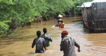 Emergency aid needed as entire Somali town cut off by floods