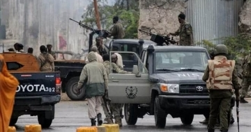 At least 6, including students killed in Mogadishu battle
