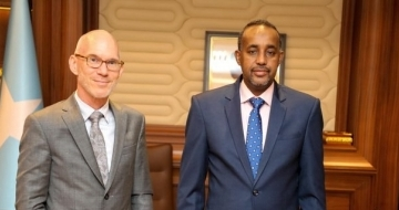 Somalia's PM holds meeting with top UN envoy on election