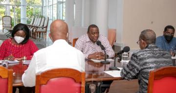Somalia PM holds talks with Kenyan president in Mombasa