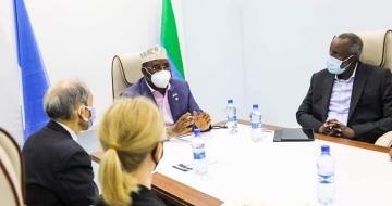 Jubaland leader holds meeting with US ambassador