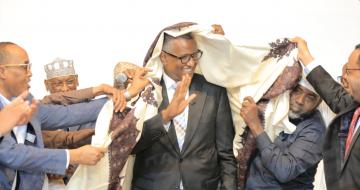 CC Warsame oo laga xaal mariyey tuhunkii la xiriiray Kiiska Badda