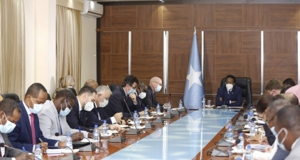 Foreign diplomats meet Farmajo amid pre-election tiff