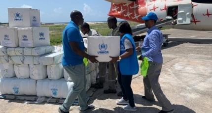 Kenya has threatened to halt humanitarian flights to Somalia
