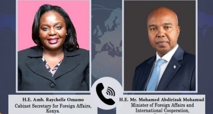Somali, Kenyan foreign ministers hold warm phone talks