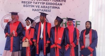 Over 80 Somali medical students graduate from Turkish university