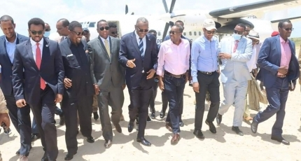 Somali PM pays a rare visit to former Al-Shabaab stronghold