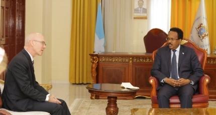 Wakiiladda Beesha Caalamka iyo Farmaajo oo Shir uga socda Villa Somalia