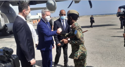 Italy's Defence Minister in Mogadishu on unannounced visit