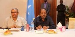 Madaxweyne Xasan Sheekh oo kula kulmay Dhalinyaro Villa Somalia {Sawirro}