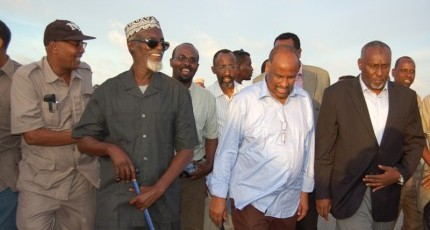 Somali warlord agrees to talks, boosts government peace efforts